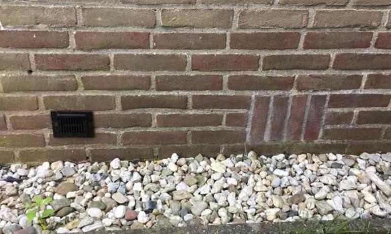 ventilatiegaten bij muur
